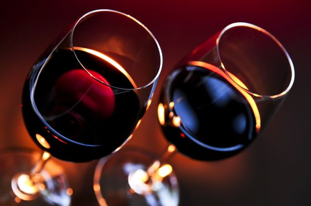 Koronavuosi on lisännyt alkoholin kulutusta, kertoo Ehkäisevä päihdetyö.