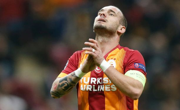 Wesley Sneijder on lähtökuopissa.