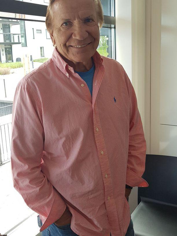 Eino Grön kuuluu Suomen tunnetuimpiin iskelmälaulajiin.
