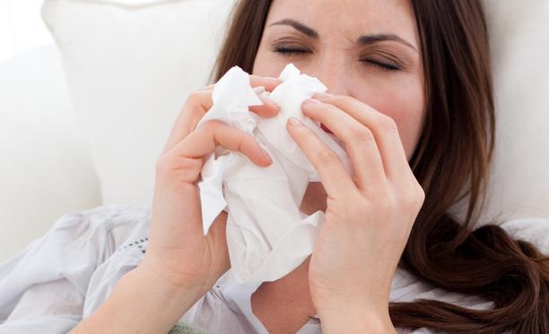 Imeskeltäviä sinkkitabletteja kannattaa kokeilla käytössä heti flunssan alettua.
