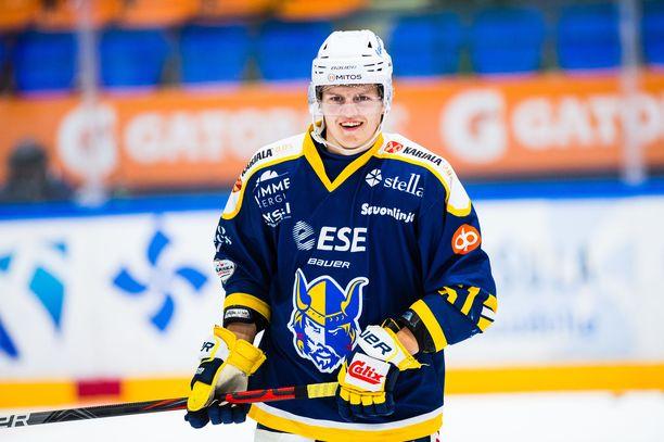 Axel Rindellillä on viime aikoina riittänyt syitä hymyyn.