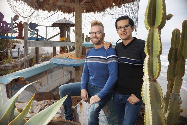 Kenny ja Armando ovat olleet yhdessä jo pitkään. Yhteinen arki on kuitenkin vasta aluillaan.