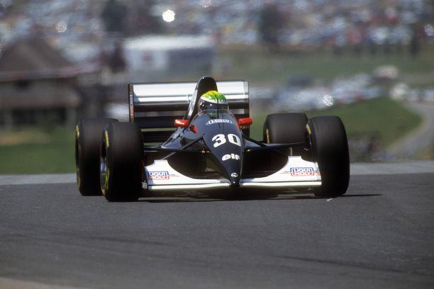 Jyrki Järvilehto oli Sauberin kuljettaja tallin ensimmäisellä F1-kaudella 1993.