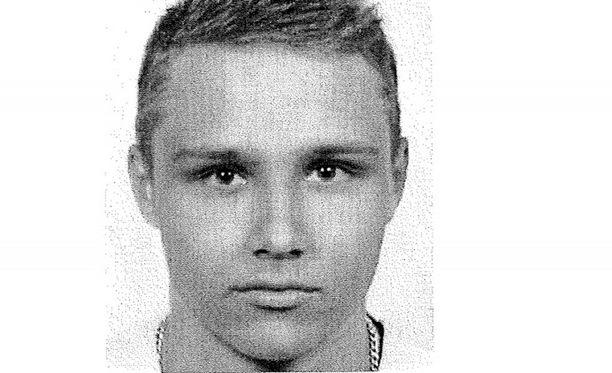 Poliisi julkaisi kuvan etsittävästä miehestä.