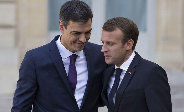 Espanjan pääministeri Pedro Sanchez ja Ranskan presidentti Emmanuel Macron tapasivat lauantaina Pariisissa.