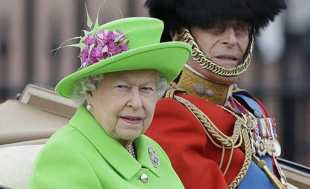 Kuningatar Elisabet ei kyennyt keskiviikkona matkustamaan perinteiseen joulunviettoon Sandringhamin kartanolleen.