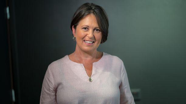 Marianna Stolbow auttoi pariskuntia Ensitreffit alttarilla -ohjelmassa.