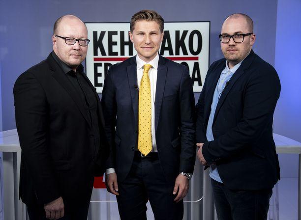Häkkästä haastattelivat Iltalehden politiikan toimituksen esimies Juha Ristamäki ja politiikan toimittaja Marko-Oskari Lehtonen.