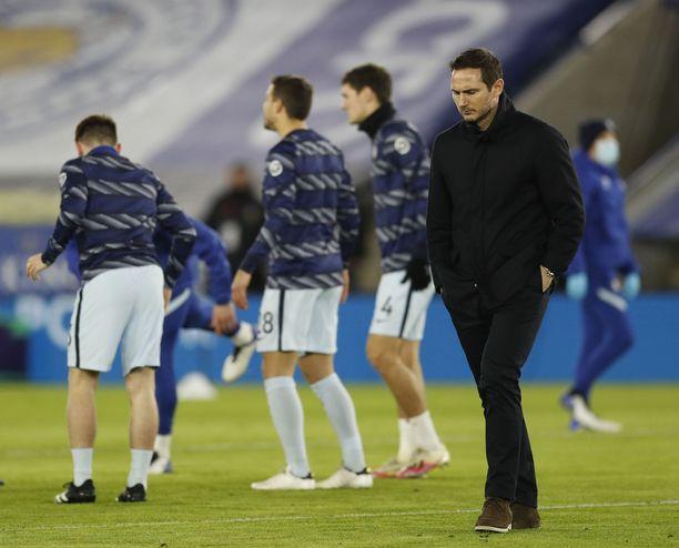 Frank Lampardilla on ollut viime aikoina tukalat oltavat.