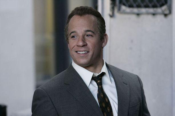 Vuonna 2006 Vin Diesel näytteli mafiapomoa Find me guilty -elokuvassa. Hiusten kera.