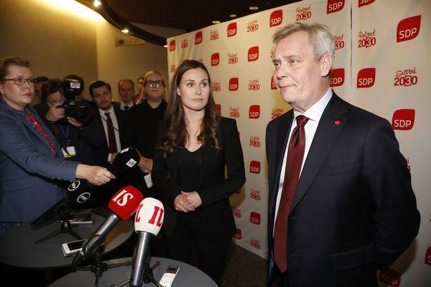 Sanna Marin peri Antti Rinteeltä vanhojen hallituskumppanien ja hallitusohjelman lisäksi myös hallituksen ongelmat.