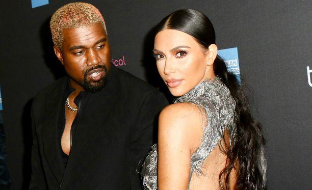 Kanye West ja Kim Kardashian osallistuivat The Cher Show'n ensi-iltaan New Yorkissa 3.12.2018