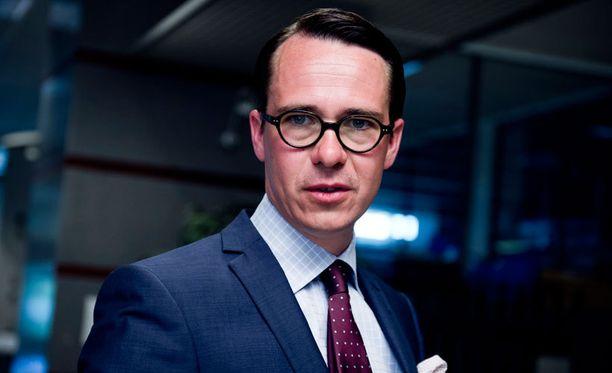 Puolustusministeri Carl Haglundilla on jo Natoon sopiva puolustussektori kehitettävänään.