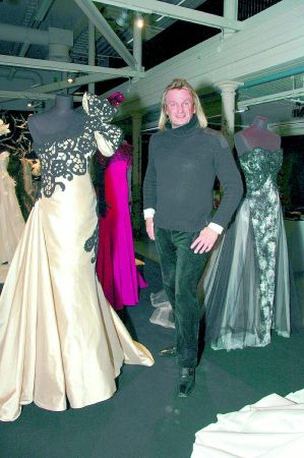 JUHLANÄYTTELY Jukka Rintalan elämäntyö on esillä näyttelyssä Tampereella Finlaysonilla 26.11. asti.