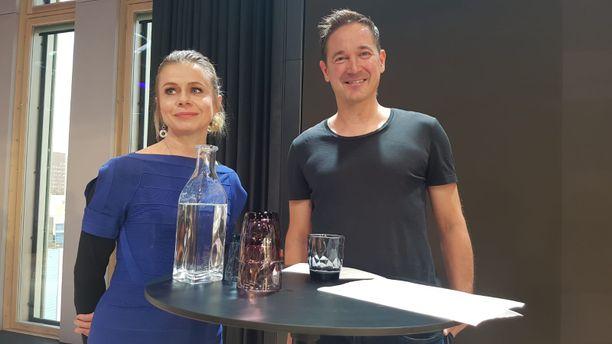 Toimitusjohtaja Riikka Pirkkalainen ja hallituksen jäsen, Supercellin toimitusjohtaja Ilkka Paananen esittelivät uuden Suomen Startup-yhteisön toimintaa ja tavoitteita Supercellin toimitiloissa Helsingissä torstaina 7. lokakuuta.