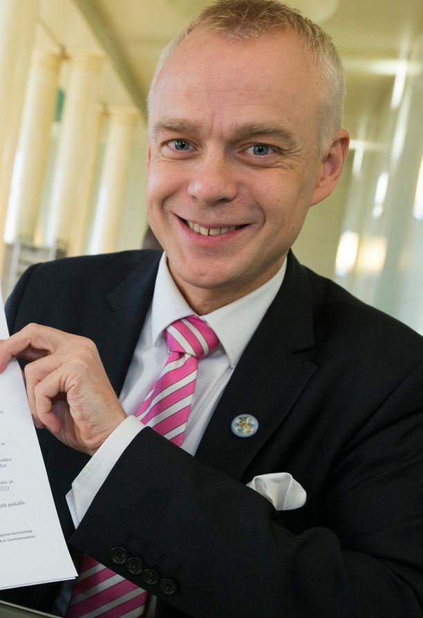 Timo Heinonen kehuu Petteri Orpoa vuolaasti blogissaan.