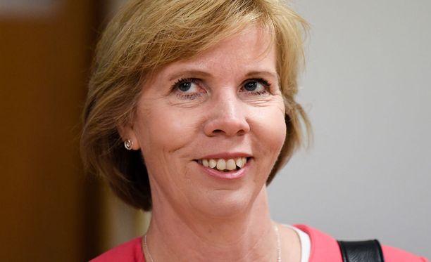 Henriksson sanoo, että hallituksen kaatuessa RKP olisi valmis neuvottelemaan uudesta hallituspohjasta.