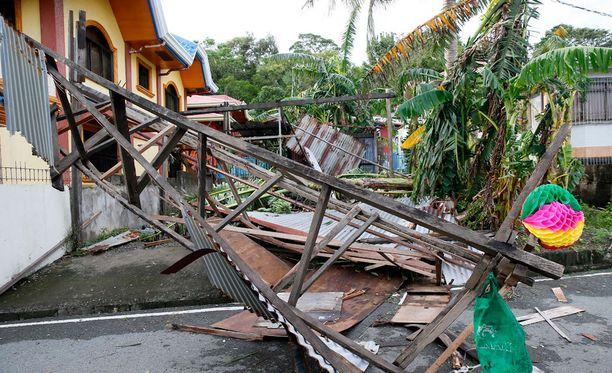 Taifuuni Nock-Ten on jättänyt jälkeensä tuhoa Filippiineillä.