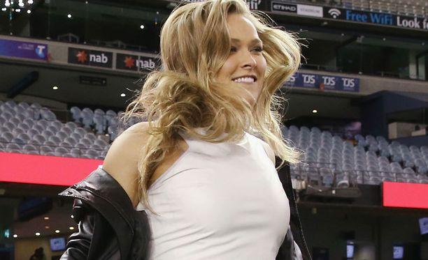 Vapaaottelija Ronda Rousey ei aina ole kolhitun näköinen.