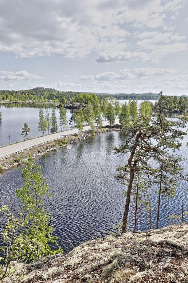 Puumala sijaitsee Saimaan rannalla.