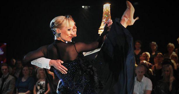 Tuuli Matinsalon ja Aleksi Seppäsen tango vei tuomareilta ja yleisöltä jalat alta.