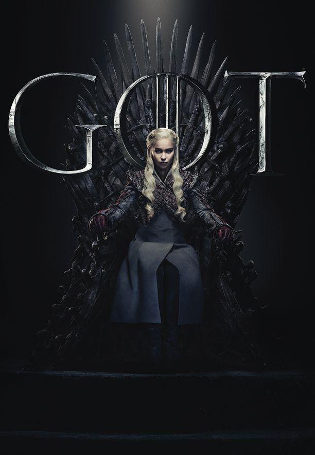 Daenerys Targaryen päästi Jon Snown hyttiinsä seitsemännen kauden päätteeksi. Selviääkö Daenerys lohikäärmeensä kuolemasta?