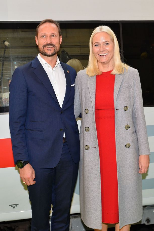 Mette-Marit ja Haakon ovat olleet yhdessä jo parikymmentä vuotta.