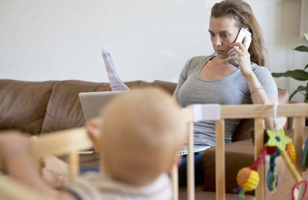 Pienten lasten vanhempia syrjitään joskus työnhaussa.
