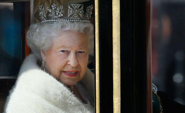 Buckinghamin palatsilta vahvistetaan, että kuningatar on ollut keskiviikkona sairaalassa vuosittaisessa terveystarkastuksessaan ja hän on jo palannut sairaalasta.