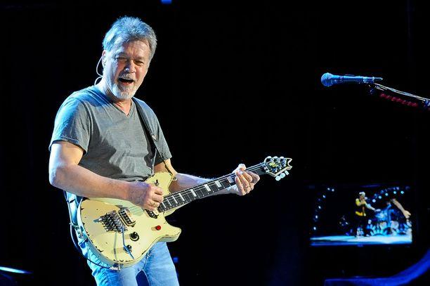 Hollantilaissyntyinen Eddie Van Halen saa syöpäänsä hoitoja Saksassa.