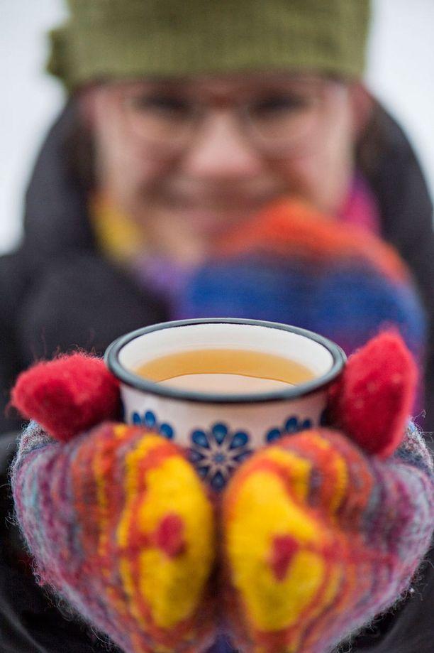 Mikäpä lämmittää ulkoilijaa mukavammin kuin höyryävä juoma?