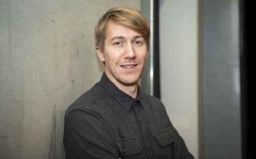 Näyttelijä Jussi Vatasen yllättävä sivu-ura: Otti savolaisen kotitilan haltuunsa – hoitaa maanviljelyä etänä Helsingistä