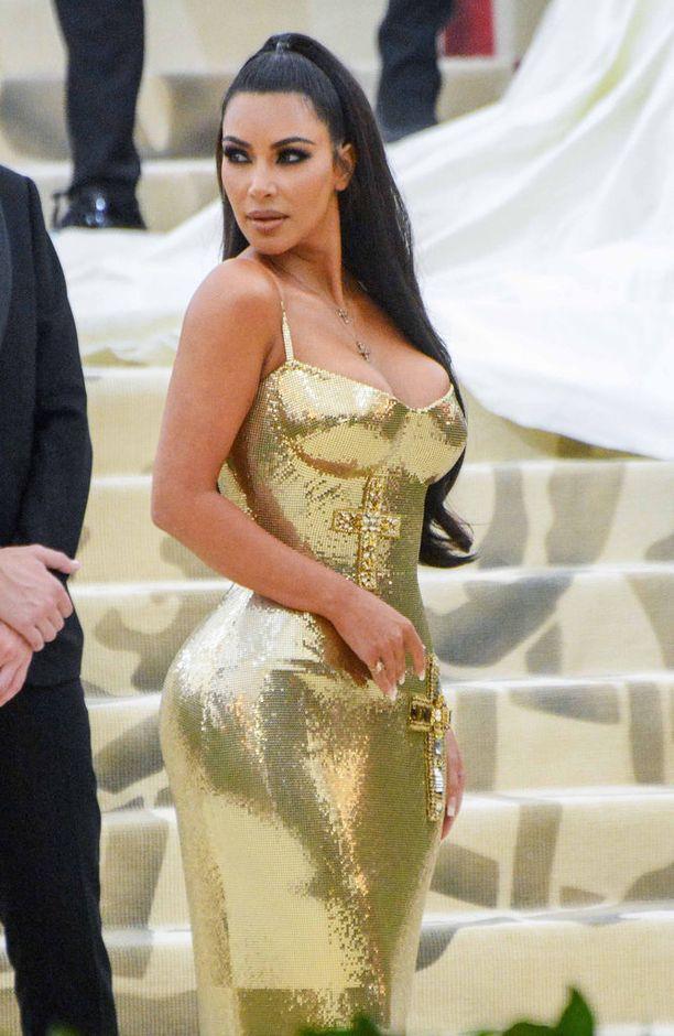Kim Kardashian unohti perhekuvastaan nuorimman lapsen.