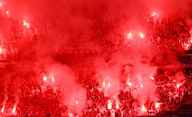 Legia Varsovan kannattajat järjestivät melkoisen show'n Mestarien liigassa.