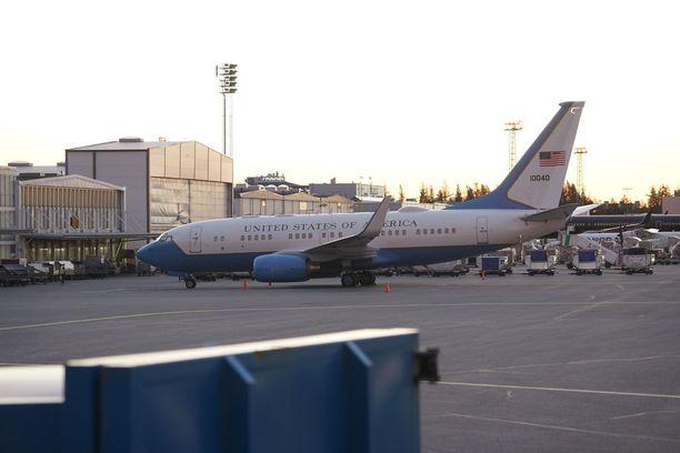Viranomaiset eivät kertoneet tietoja lentokoneesta.