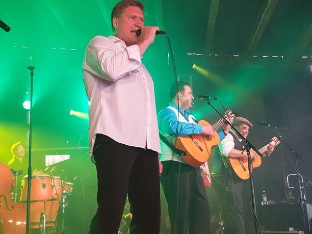 Viime aikoina Samuli on esiintynyt Orkestra Suora lähetys -romaniyhtyeen kanssa. Kombo on kiertänyt kevään ja kesän pitkin Suomea Samuli50-juhlakiertueen merkeissä.