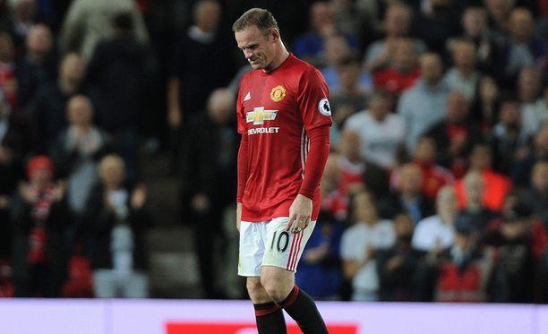 Wayne Rooney jätti maajoukkuenäyttönsä tuomarin antamalle lisäajalle.