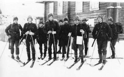 Suomalaisen erikoisjoukon toiminta pidettiin erittäin salaisena – kevyen koulutuksen jälkeen heti vihollisen selustaan