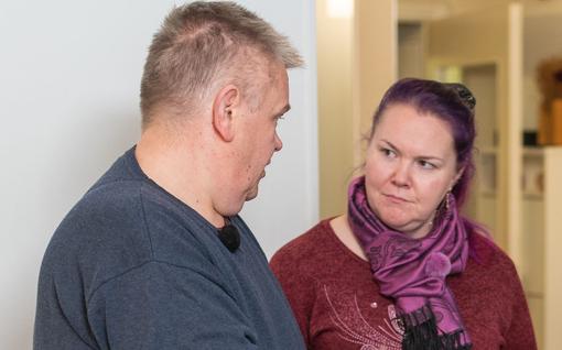 Harvinainen tilanne Suomen huutokauppakeisarissa: Heli uhkaa keskeyttää kaupat