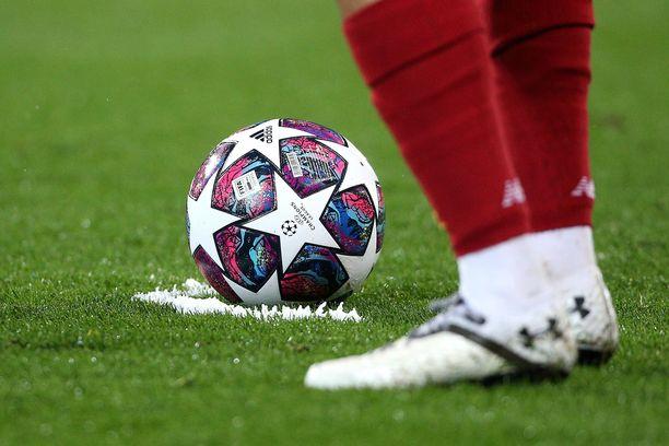 Pallo ei pyöri ainakaan hetkeen Uefan alaisissa seurakisoissa.