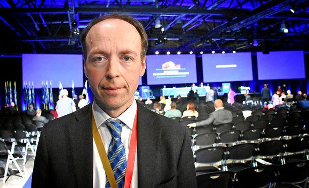 Jussi Halla-aho sanoo perussuomalaisen puolueen pysyneen yhtenäisenä, vaikka eduskuntaryhmä jakautuikin.