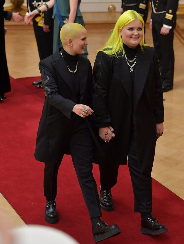 Anna ja Alma Miettinen olivat molemmat saaneet kutsun Linnaan.