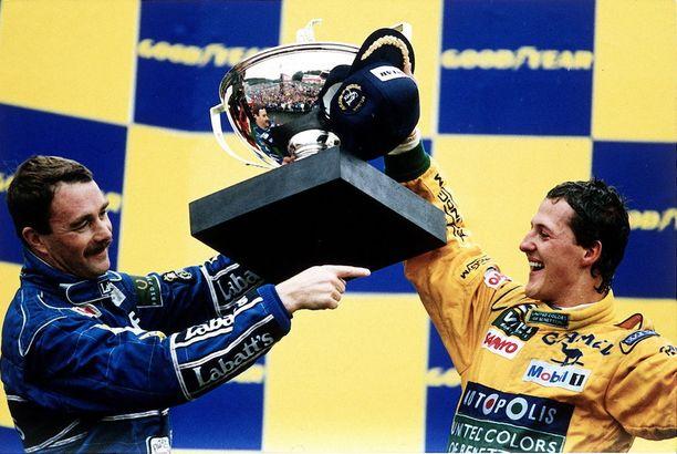 Michael Schumacher juhli uransa ensimmäistä voittoa Spassa vuonna 1992. Kautta hallinnut Nigel Mansell joutui tyytymään kakkossijaan.