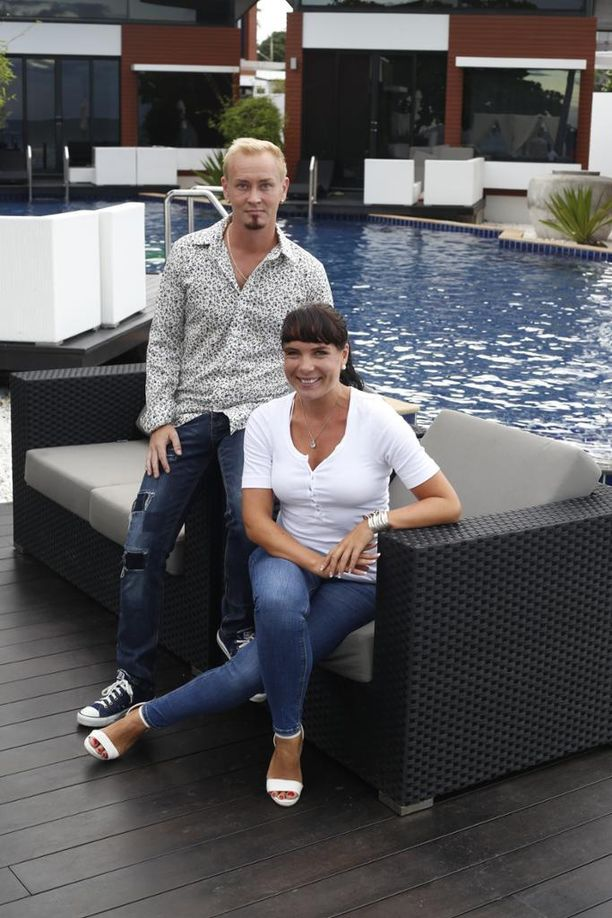 Kati Häkkinen ja Atte Savisalo avasivat kylpylähotellinsa kuusi vuotta sitten.