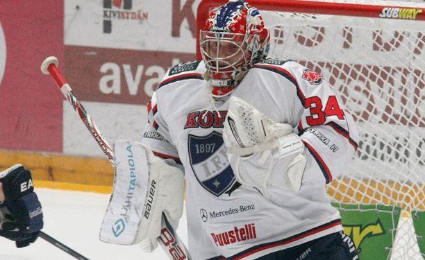 Ville Husson (kuvassa) krampin jälkeen HIFK:n maalille luisteli Kevin Lankinen.