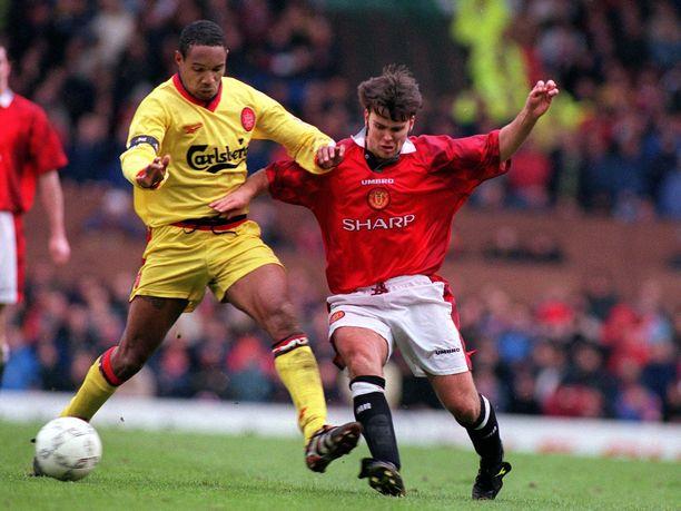 Ben Thornley pelasi United-paidassa yhdeksän ottelua vuosina 1993-98. Tässä kuvassa taisteluparina on Liverpoolin Paul Ince.