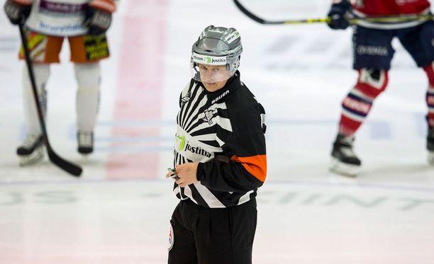 Jari Levonen ei vihellä tänään Tampereella.