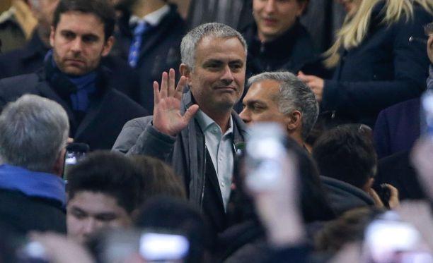 José Mourinho oli eilen Milanossa seuraamassa Interin ja Sampdorian välistä Serie A -ottelua.