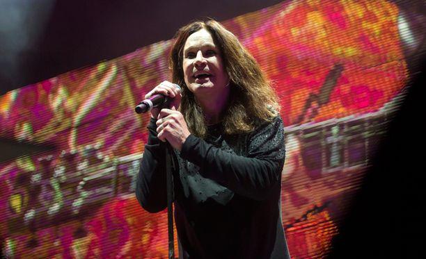 Ozzy Osbourne joutui nuorten hakkereiden uhriksi.