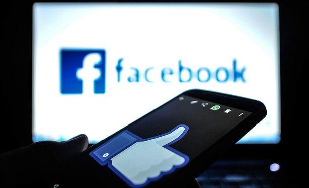 Facebookia ja muita sosiaalisia medioita on viime aikoina arvosteltu voimakkaasti.